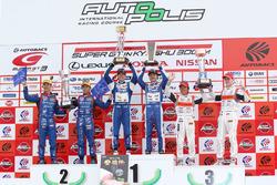 GT300 podyum: yarış galibi #25 Team Tsuchiya Toyota MC86: Takamitsu Matsui, Tsubasa Kondo, 2. #61 R&D Sport Subaru BRZ: Takuto Iguchi, Hideki Yamauchi, 3. #55 Autobacs Racing Team Aguri BMW M6 GT3: Shinichi Takagi, Sean Walkinshaw