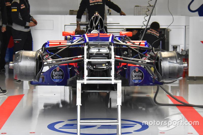 Toro Rosso STR12: Frontpartie