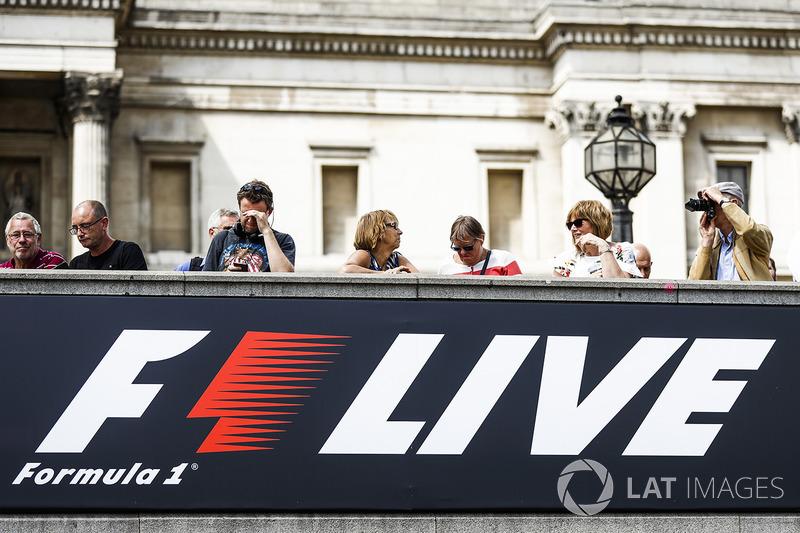 F1 Live лого