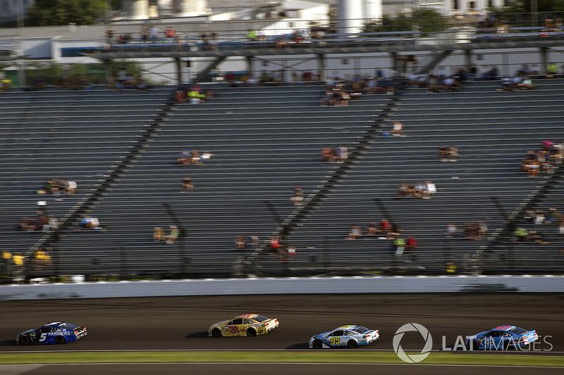 Kasey Kahne, Hendrick Motorsports Chevrolet, Michael McDowell, Leavine Family Racing Chevrolet, Aric Almirola, Richard Petty Motorsports Ford