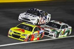 Dale Earnhardt Jr., Hendrick Motorsports Chevrolet, Kasey Kahne, Hendrick Motorsports Chevrolet, Brad Keselowski, Team Penske Ford
