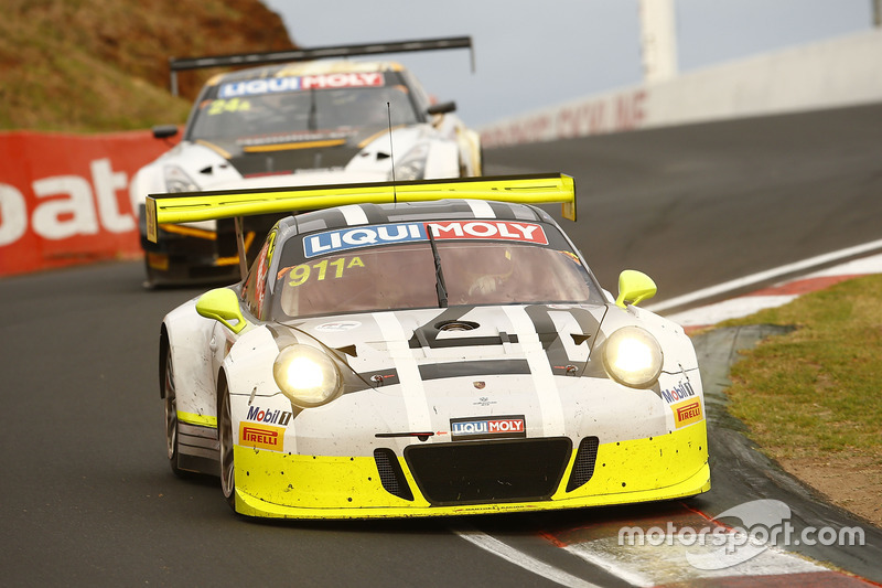 #911 Walkinshaw GT3, Porsche 911 GT3 R: Earl Bamber, Kevin Estre, Laurens Vanthoor