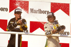 Podium: Race winner Nelson Piquet, Williams Honda, second place Ayrton Senna, Team Lotus