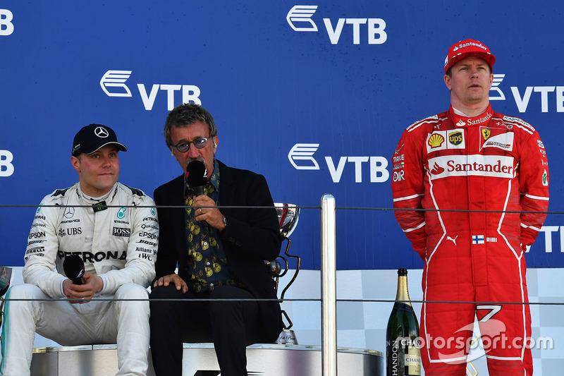Race winner Valtteri Bottas, Mercedes AMG F1, Eddie Jordan, Channel 4 F1 TV and Kimi Raikkonen, Ferrari