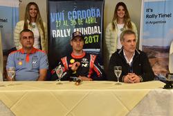 Alain Penasse, Team manager Hyundai Motorsport; Dani Sordo, Hyundai Motorsport, y Alejandro Strumia, Director de Promoción de la Agencia Córdoba Turismo