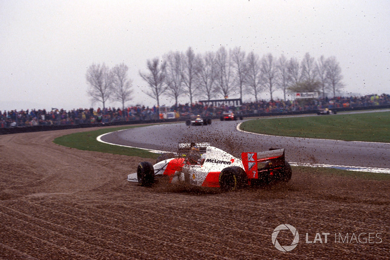 Accrochage entre Karl Wendlinger, Sauber C12 et Michael Andretti, Mclaren MP4/8