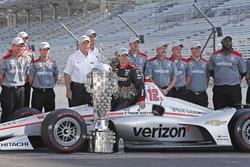 Race winner Will Power, Team Penske Chevrolet