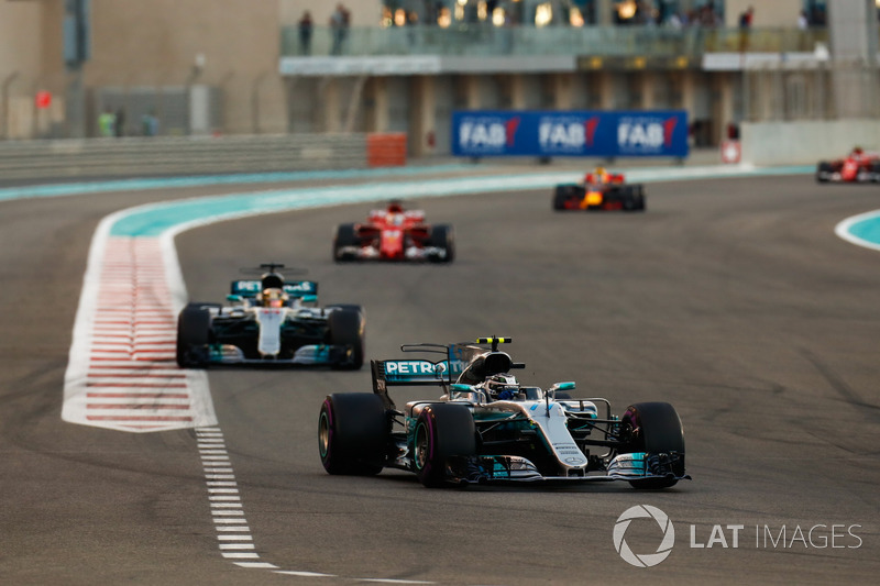 Валттери Боттас и Льюис Хэмилтон, Mercedes AMG F1 W08, Себастьян Феттель, Ferrari SF70H