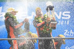 Podio LMP2: i vincitori Roman Rusinov, Andrea Pizzitola, G-Drive Racing