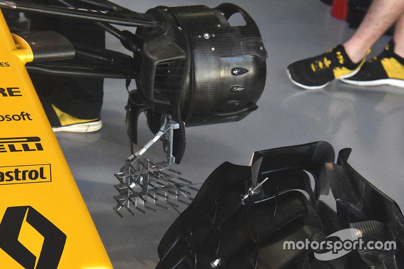 Renault: Messgerät am vorderen Bremskanal