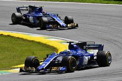 Marcus Ericsson, Sauber C36 and Pascal Wehrlein, Sauber C36