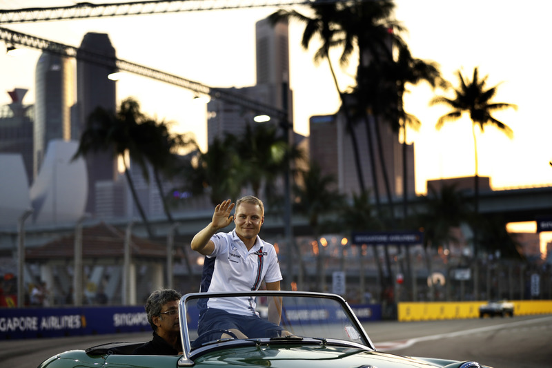Valtteri Bottas, Williams Martini Racing, in the drivers parade