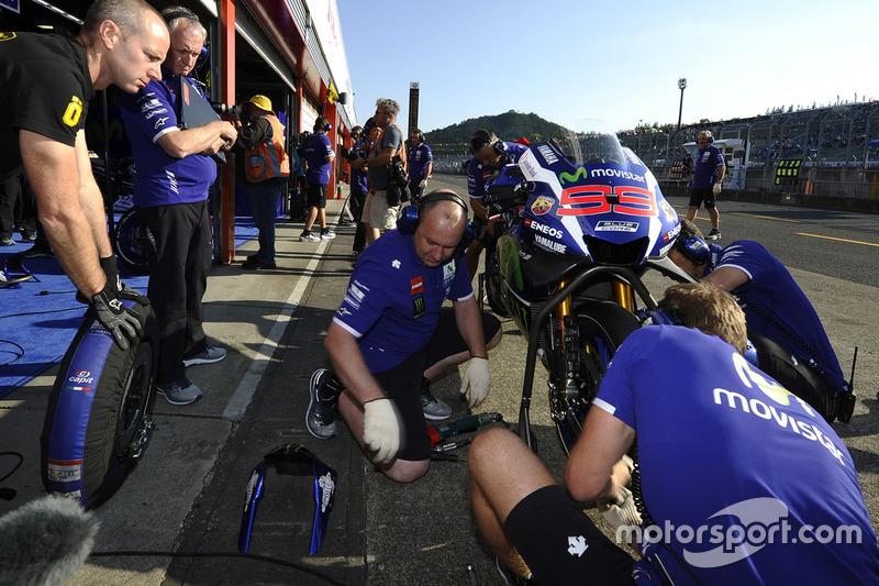 Yamaha Factory Racing mechanics at work
