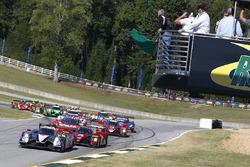 Start: #60 Michael Shank Racing with Curb/Agajanian Ligier JS P2 Honda: John Pew, Oswaldo Negri Jr., Olivier Pla leads