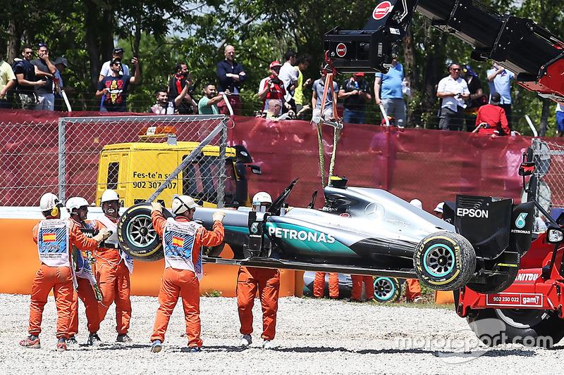 Das Auto von Nico Rosberg, Mercedes AMG F1, nach dem Crash in der ersten Runde