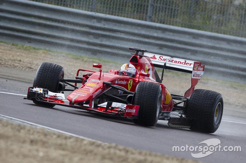 Sebastian Vettel, Ferrari, prova le gomme Pirelli 2017