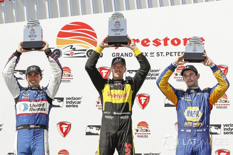 Podium: winner Sébastien Bourdais, Dale Coyne Racing with Vasser-Sullivan Honda, second place Graham Rahal, Rahal Letterman Lanigan Racing Honda, third place Alexander Rossi, Andretti Autosport Honda