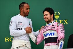 Podyum: Yarış galibi Lewis Hamilton, Mercedes-AMG F1 ve 3. Sergio Perez, Force India