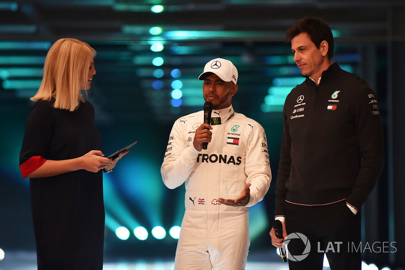 Lewis Hamilton, Mercedes AMG F1, Toto Wolff, Direttore Esecutivo Mercedes AMG F1