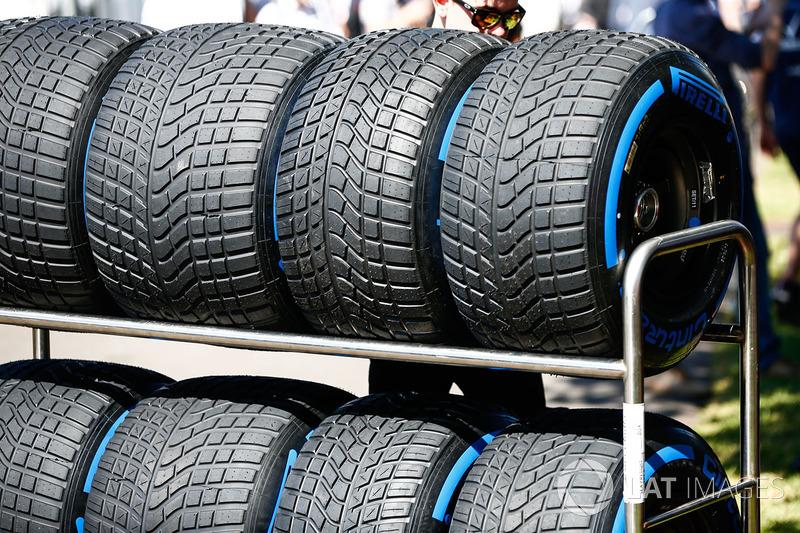 Des pneus intermédiaires