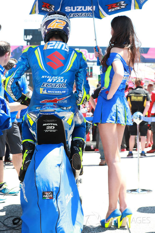 Alex Rins, Team Suzuki MotoGP, Grid girl