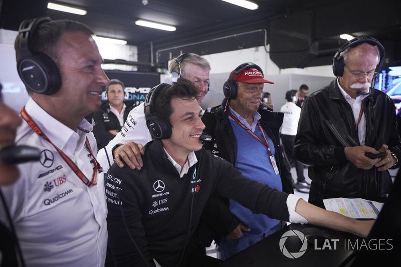 Toto Wolff, Niki Lauda, Mercedes AMG, Dr Dieter Zetsche, CEO Mercedes Benz, merayakan pole GP Spanyol