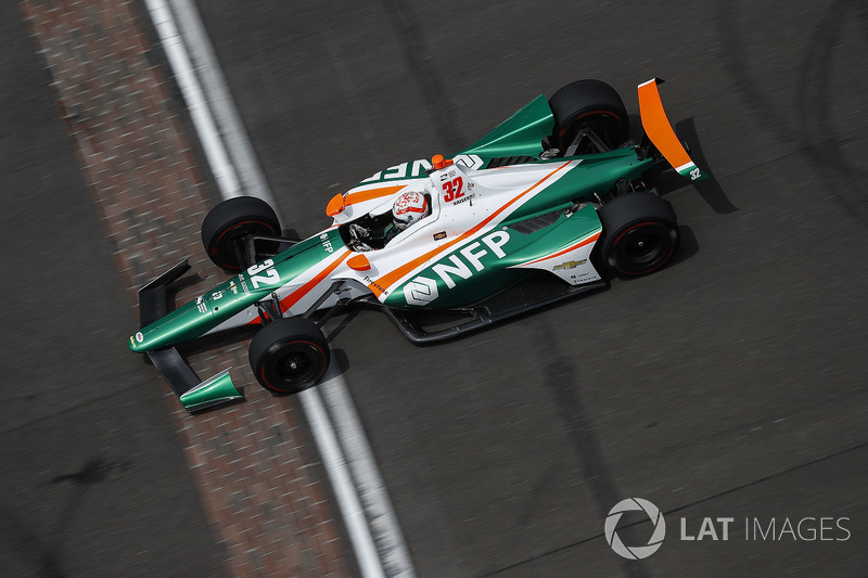 "17. <img src=""https://cdn-8.motorsport.com/static/img/cfp/0/0/0/200/228/s3/united_states-2.jpg"" alt="""" width=""20"" height=""12"" />Кайл Кайзер, Juncos Racing Chevrolet"