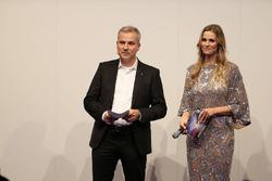 Jens Marquardt, directeur BMW Motorsport, en Eve Scheer