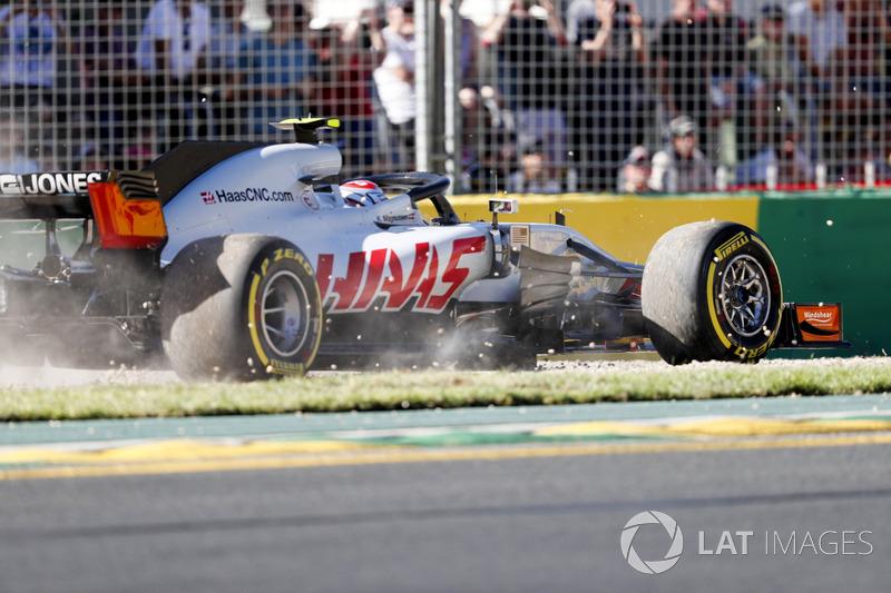 Kevin Magnussen, Haas F1 Team VF-18 Ferrari, corre en pista