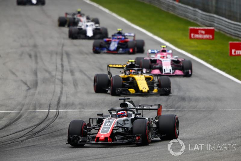 Romain Grosjean, Haas F1 Team VF-18, Carlos Sainz Jr., Renault Sport F1 Team RS 18, Esteban Ocon, Racing Point Force India VJM11, y Pierre Gasly, Toro Rosso STR13