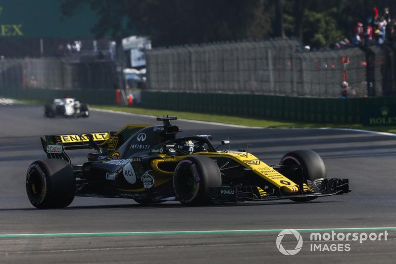 7: Nico Hulkenberg, Renault Sport F1 Team R.S. 18, 1'15.827