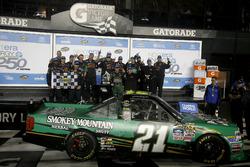 Le vainqueur Johnny Sauter, GMS Racing Chevrolet