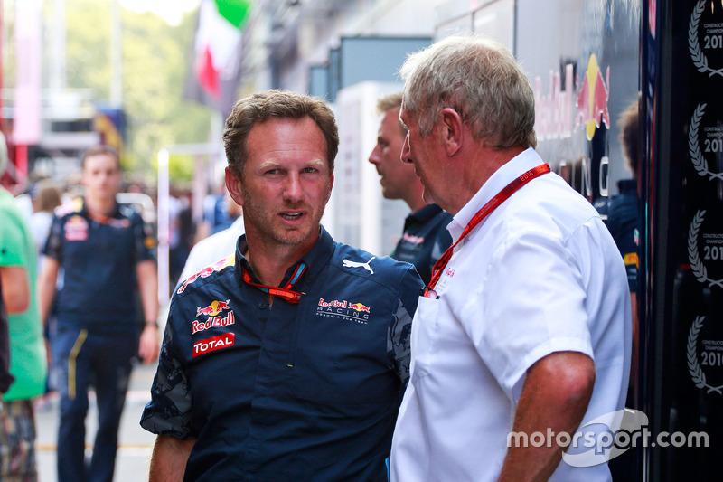 (Da sx a dx): Christian Horner, Team Principal Red Bull Racing con il Dr Helmut Marko, Consulente Red Bull Motorsport