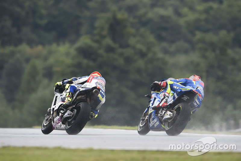 Hector Barbera, Avintia Racing; Maverick Viñales, Team Suzuki MotoGP
