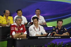Press conference: Frederic Vasseur, Renault Sport F1 Team Racing Director, Yusuke Hasegawa, Head of