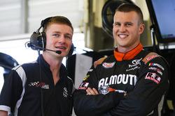 Ryan Preece, Joe Gibbs Racing Toyota y crewman
