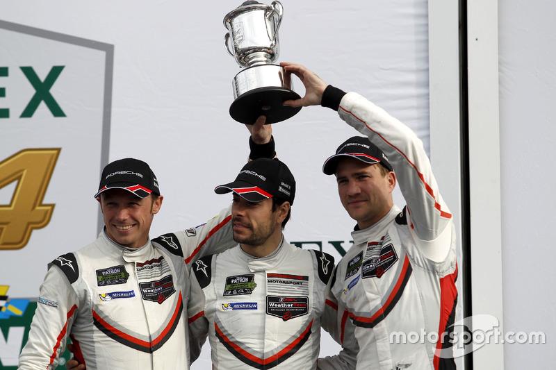 Podium: GTLM: tweede #911 Porsche Team North America Porsche 911 RSR: Patrick Pilet, Dirk Werner, Frédéric Makowiecki