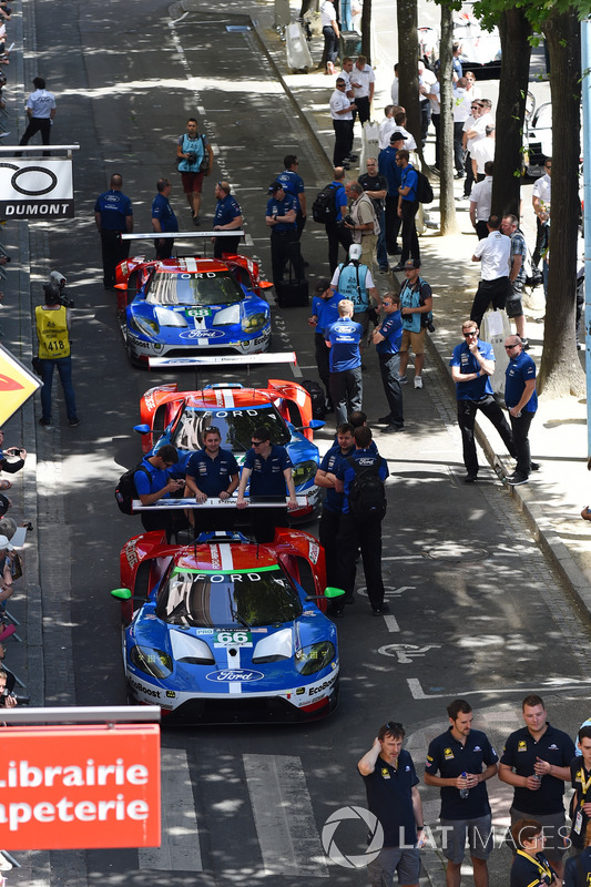 #66 Ford Chip Ganassi Racing Ford GT: Olivier Pla, Stefan Mücke, Billy Johnson, #67 Ford Chip Ganassi Racing Ford GT: Andy Priaulx, Harry Tincknell, Pipo Derani, #68 Ford Chip Ganassi Racing Ford GT: Joey Hand, Dirk Müller, Tony Kanaan