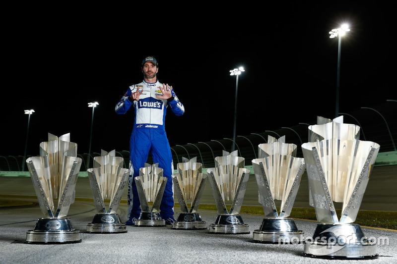 #10: Jimmie Johnson feiert den 7. NASCAR-Titel