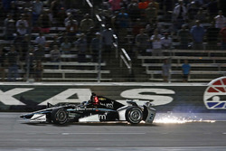 Josef Newgarden, Team Penske Chevrolet crashes