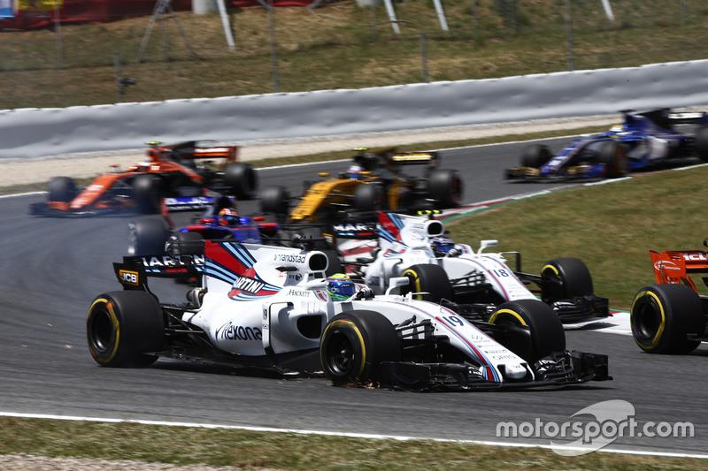 Феліпе Масса, Williams FW40, прокол колеса, піт-стоп