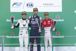 Podio: segundo lugar Sergio Sette Camara, MP Motorsport, ganador de la carrera Luca Ghiotto, RUSSIAN TIME, tercero Antonio Fuoco, PREMA Powerteam