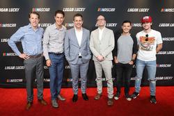 Brad Keselowski, Joey Logano, Steven Soderbergh, Kyle Larson, Ryan Blaney en la alfombra roja