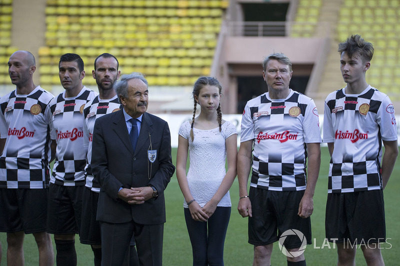 Mario Di Natale, Präsident der Nazionale Piloti, mit Mika Häkkinen