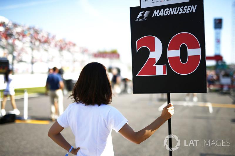 La grid girl di Kevin Magnussen, Haas F1 Team