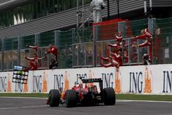 Yarış galibi Kimi Raikkonen, Ferrari F60