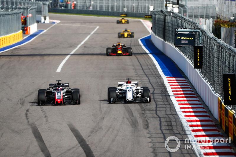 Ромен Грожан, Haas F1 Team VF-18, Маркус Ерікссон, Sauber C37