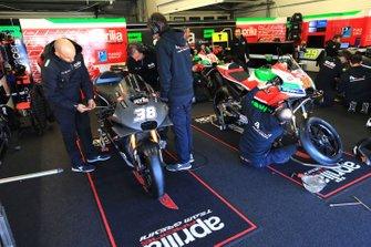 Box: Aprilia Racing Team Gresini
