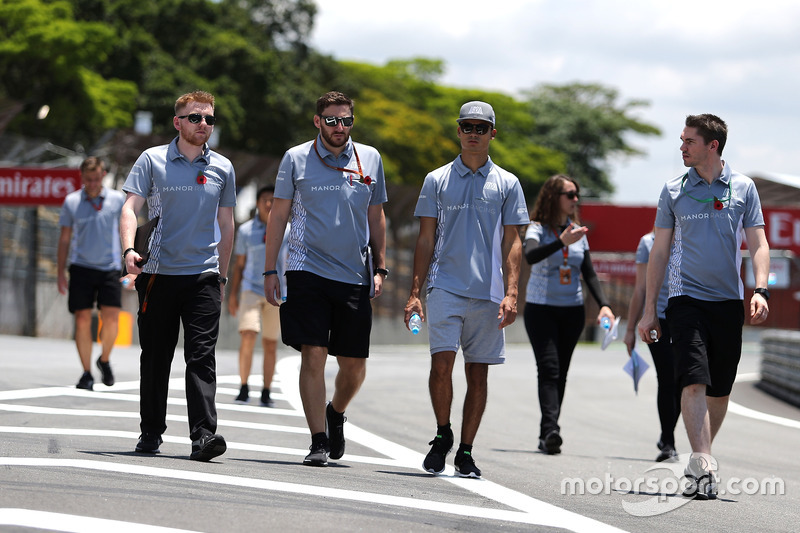 Pascal Wehrlein, Manor Racing bei der Streckenbegehung