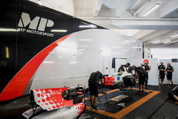 Mechanics prepare the car of Sergio Sette Camara, MP Motorsport